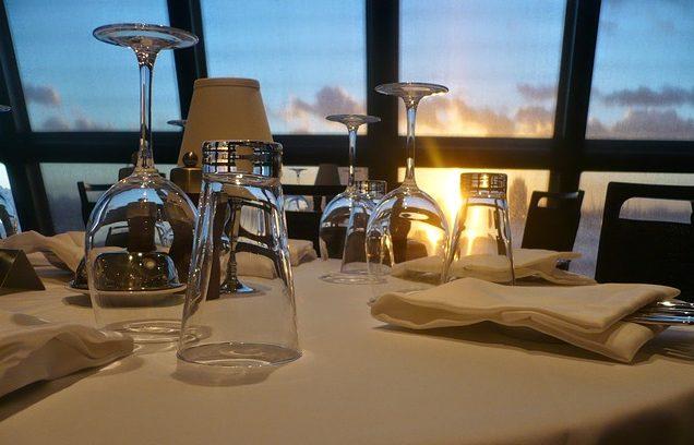 restaurant-358238_640
