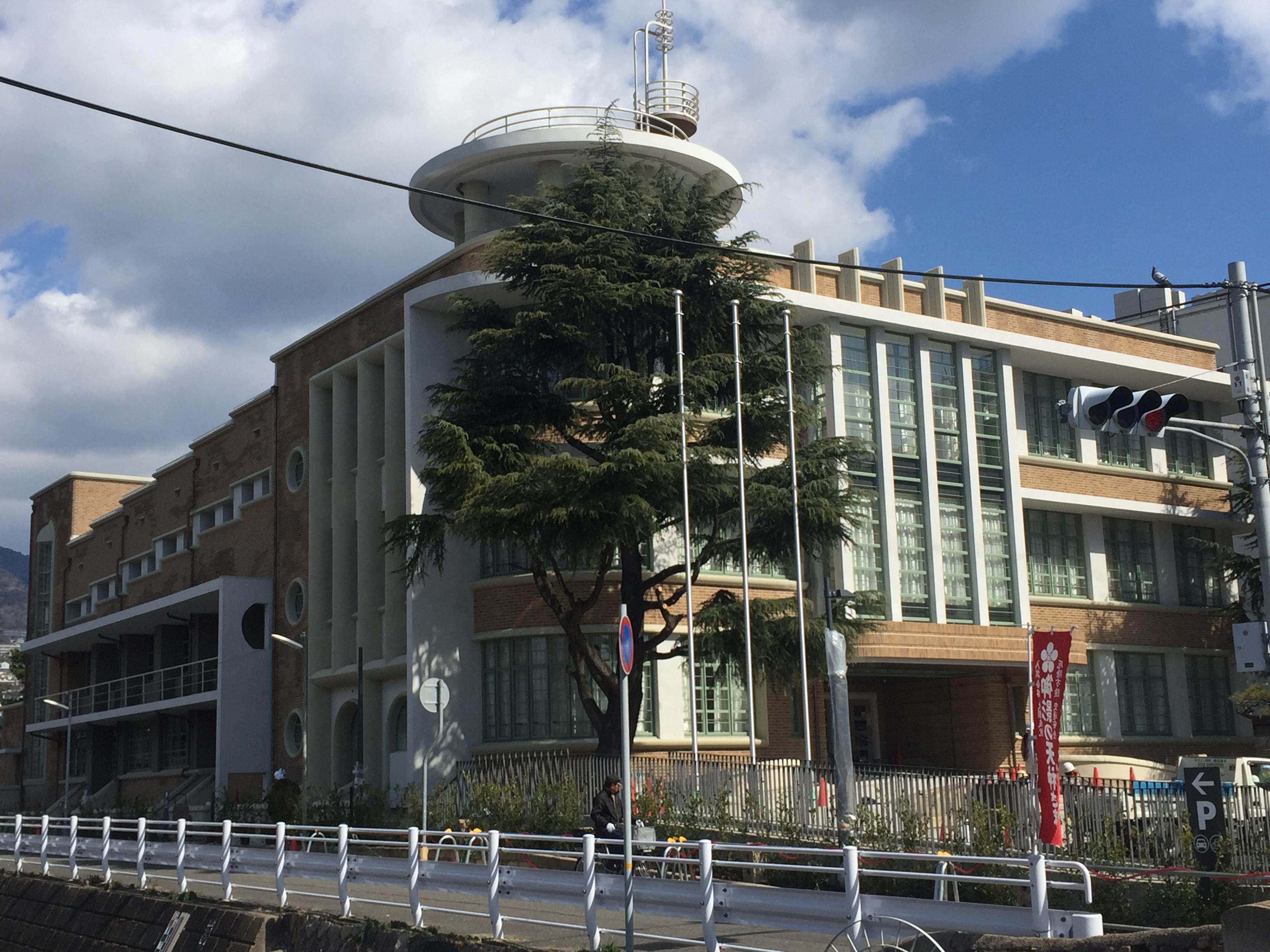 神戸・御影公会堂の美しい外観をフライングでご紹介!【※改修工事終了オープンは4月、その前に写真でどうぞ】