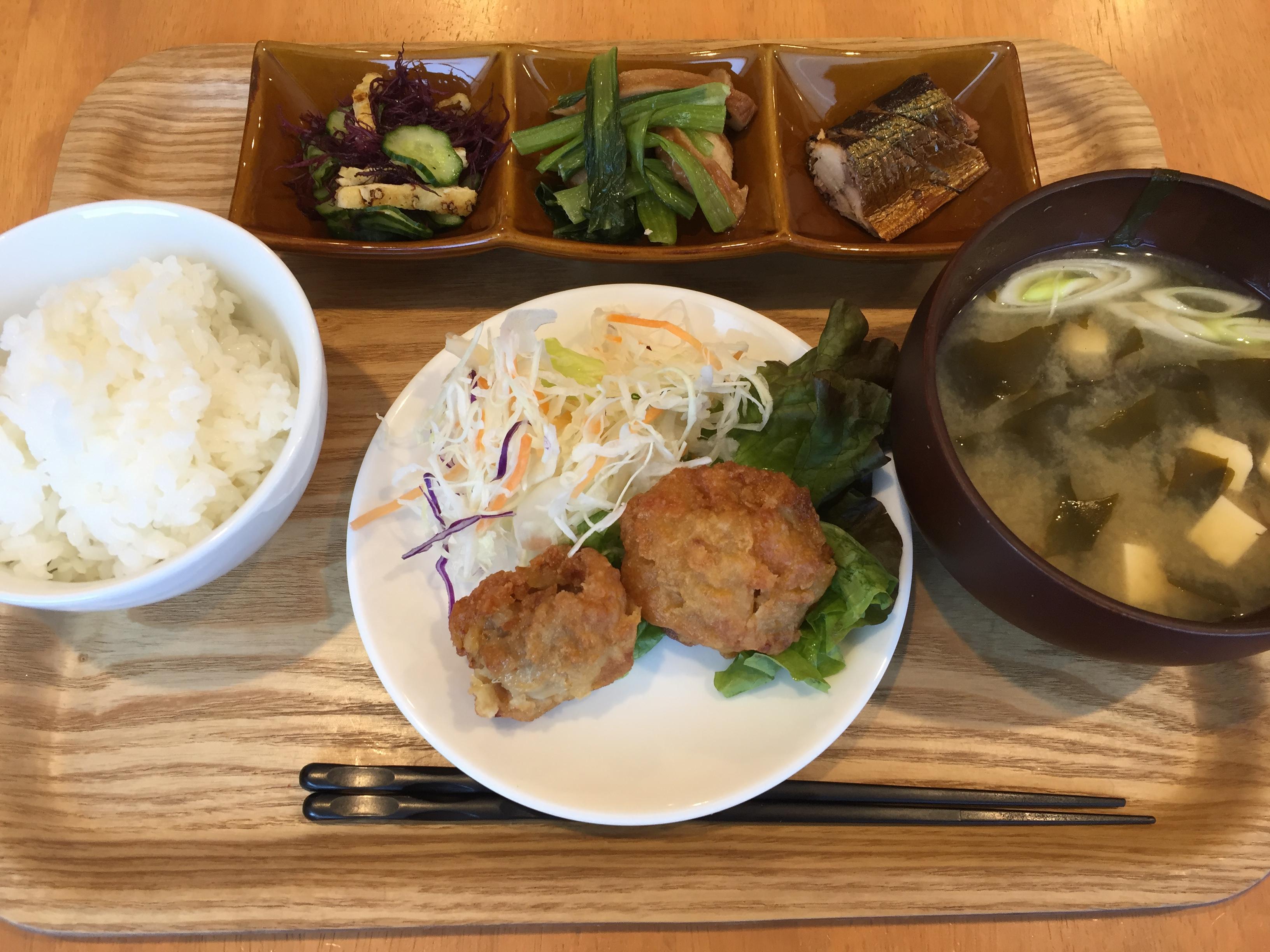 神戸・岡本商店街にある「なるみ食堂」はランチもナイトもパワフルだよ!【※毎週金曜限定】