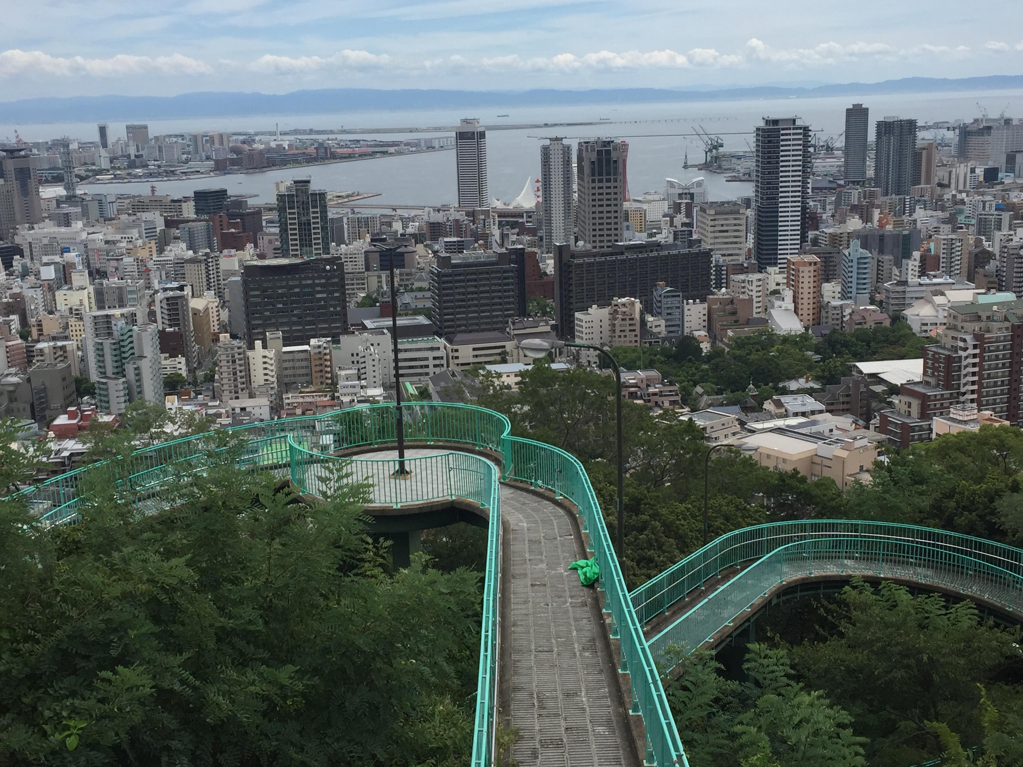 神戸・元町にある「ビーナスブリッジ・諏訪山公園」は神戸が一望できるおすすめスポットだよ #ビーナスブリッジ