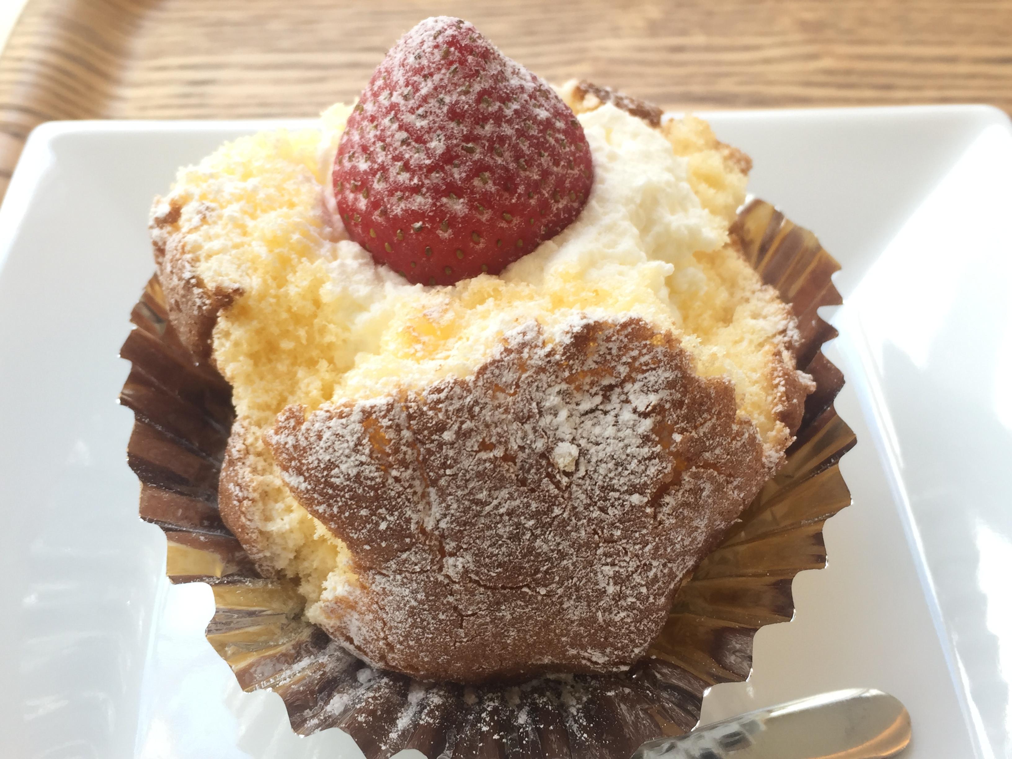 ちちんぷいぷいでも紹介!神戸・元町にある「元町ケーキ」看板メニューの「ざくろ」を食べてみた! #元町ケーキ #神戸スイーツ #ざくろ #ちちんぷいぷい