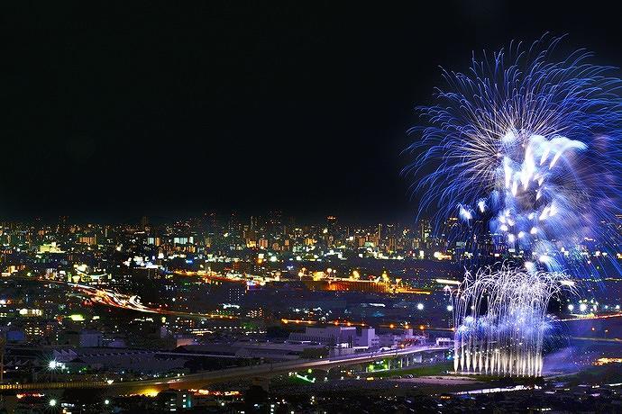 「第70回 猪名川花火大会」が8月18日(土)猪名川河川敷で開催、約4000発が夜空を彩ります! #猪名川花火大会 #花火大会 #川西市 #池田市