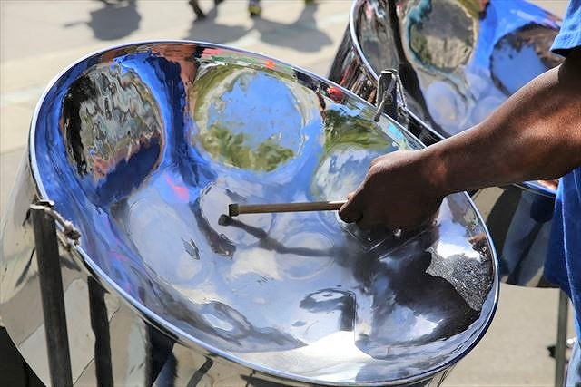 須磨海浜公園で「KOBEスティールパンカーニバル2018」が9/16(日)に開催されるよ! #スティールパン #KOBEスティールパンカーニバル2018 #須磨海岸 #スティールパンの惑星