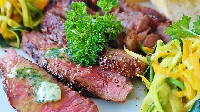 神戸メリケンパークで「第1回 神戸肉フェスタ」が9月15日~17日に開催されるよ! #神戸肉フェスタ #肉フェスタ #メリケンパーク #イベント #レゲエフェスティバル