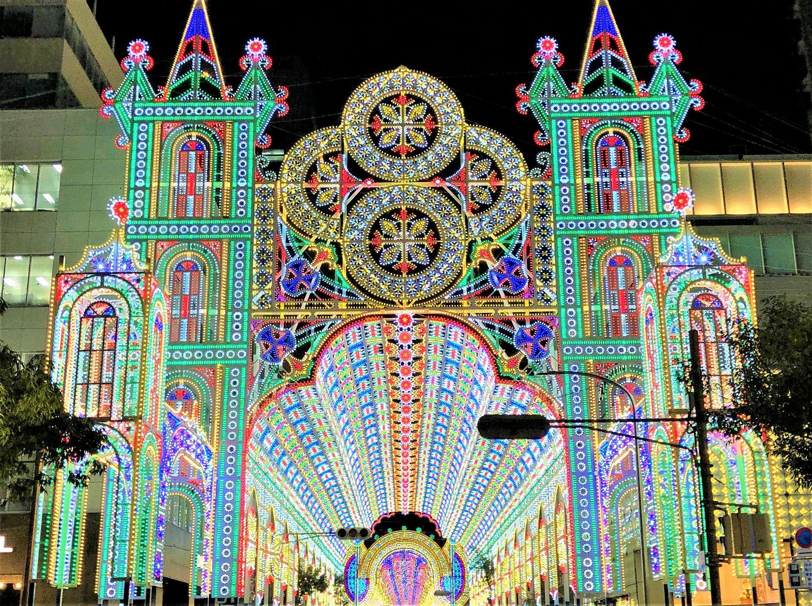 「神戸ルミナリエ2018」輝く光の回廊の下を歩いてきた!開催期間は12月16日(日)まで。 #神戸ルミナリエ #旧居留地 #神戸観光 #ルミナリエ #東遊園地 #神戸 #阪神淡路大震災
