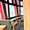 神戸ポートタワー展望3階回転フロアに「SAKE TARU LOUNGE(サケ タル ラウンジ)」が